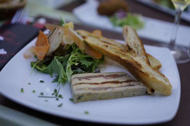 Pressé de foie gras, lomo et tomates séchées Cuisine Traditionnelle Cuisine Française Restaurant Cuisine Traditionnelle