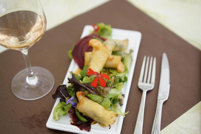 Croustillant de crevettes sauvages au basilic Cuisine Française Restaurant Cuisine Traditionnelle Cuisine Française Restaurant