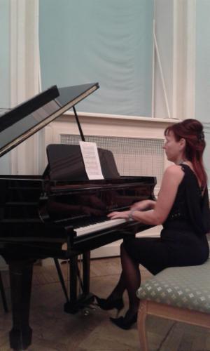 MUSIQUE CLASSIQUE Clérmont L'Hérault Cours particuliers de piano et de chant Cours particuliers de piano