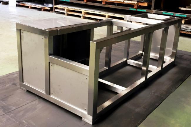 Chassis Inox Découpe laser Flotte SECMI Tolerie - Chaudronnerie Chaudronnerie Table de manutention