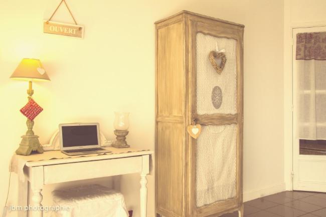 Envie d'un nouvel intérieur ? De nouveaux meubles ? Mon but est de vous aider à mener à bien vos projets et les réaliser.