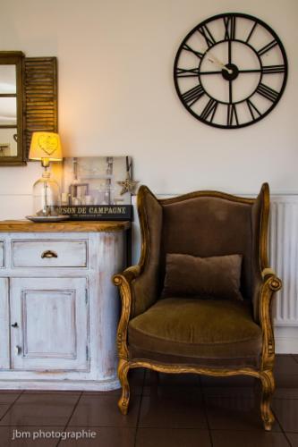 Relooking de meubles Conseils déco Envie d'un nouvel intérieur ? De nouveaux meubles ? Mon but est de vous aider à mener à bien vos projets et les réaliser.