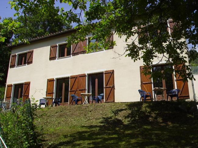 Hôtel de 8 Chambres Puget - Rostang Service à L'accueil Hôtel-Réstaurant-gîtes d'étape Service à L'accueil