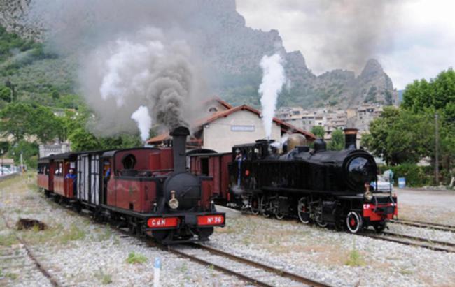 Train à Vapeur Service à L'accueil Hôtel-Réstaurant-gîtes d'étape Service à L'accueil Hôtel-Réstaurant-gîtes d'étape Service à L'accueil