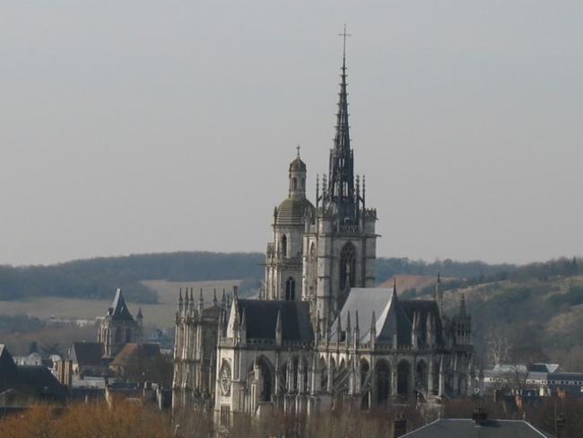 Paroisse Notre-Dame Saint-Taurin d'Evreux EVREUX Paroisse Catholique Paroisse Catholique Paroisse Catholique