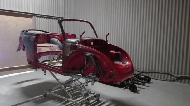 Aérogommage de diverses pièces métalliques gommage microbillage restauration automobile rénovation peinture