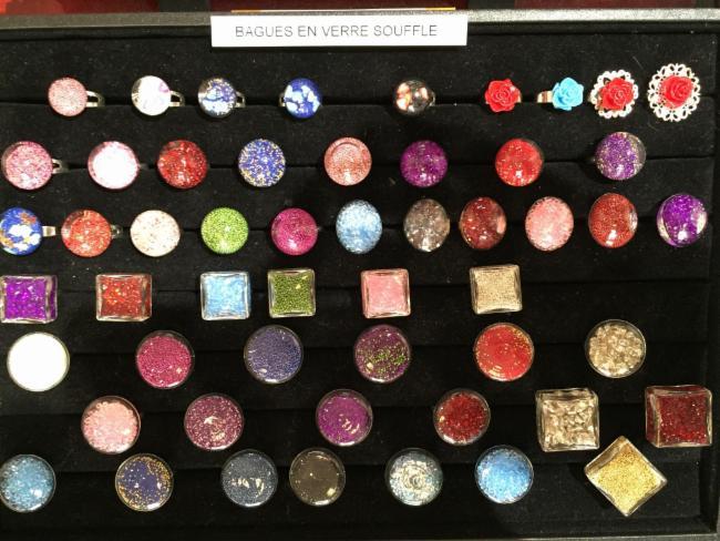 Bagues en verre souflé Vente d'Objets usuels originaux et colorés - Idées Cadeaux - Déco