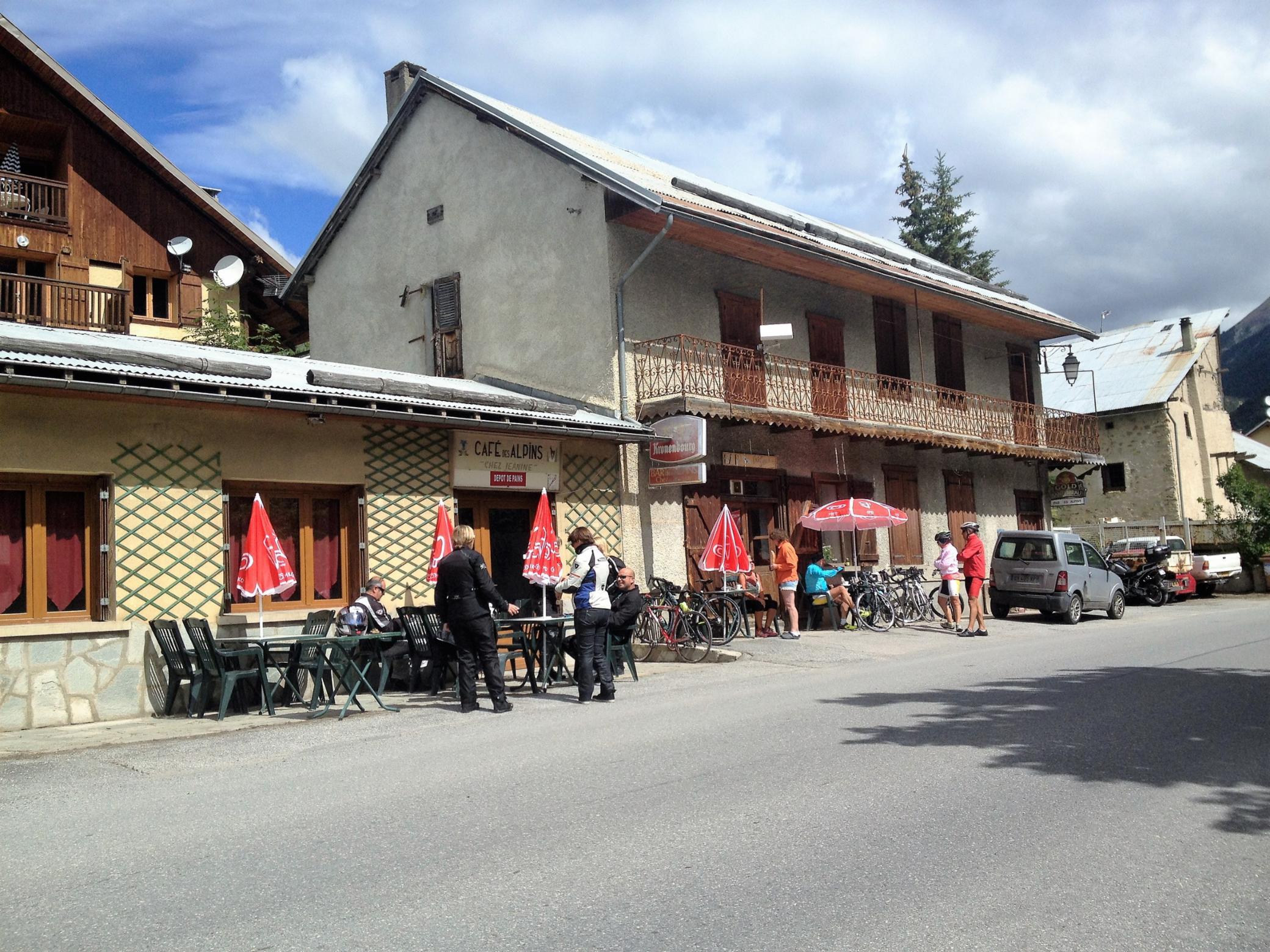 1 Bar des Alpins Val-Des-Près Cuisine Française Cuisine Traditionnelle Bar-Restaurant
