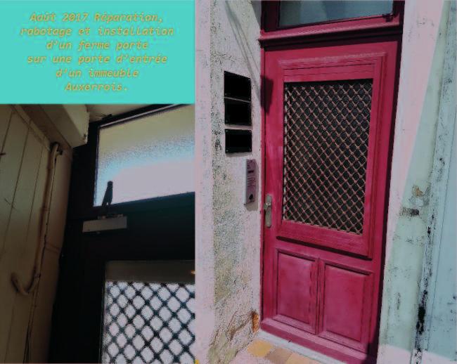 Réfection d'une porte Serrurerie Homme toutes mains - Plomberie - Electricité Fermeture et Automatisme.