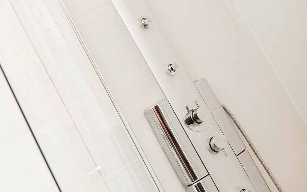 14 pose de carrelage entreprise de renovation calvados Rénovation intérieure Installation de cuisine Rénovation de salle de bain