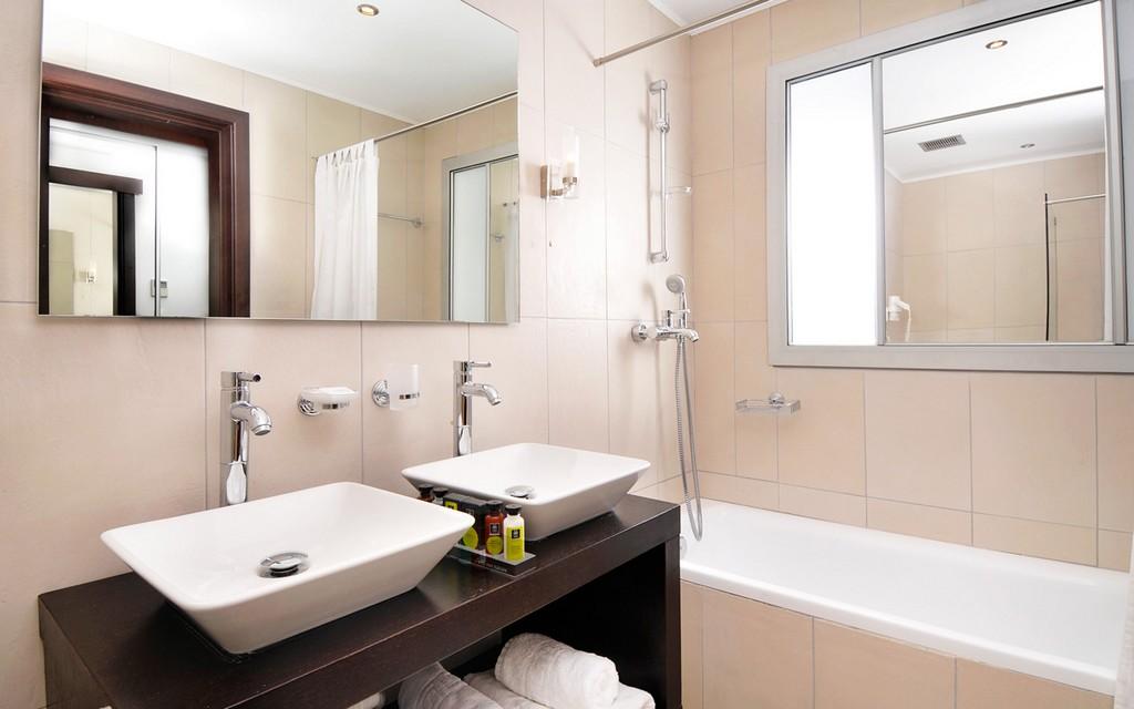 Rénovation de salle de bain Cabourg Peintre en bâtiment Plombier Chauffagiste Serrurier
