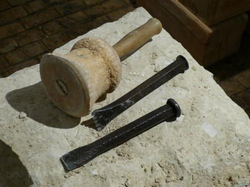 TRICHET ROMAIN ORGON Tailleur de pierre Taille façonnage et finissage de pierres Tailleur de pierre
