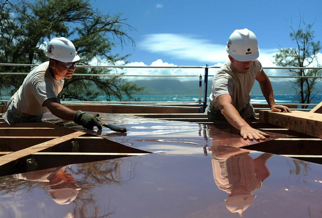 2 Electricien ECONOMISTE DE LA CONSTRUCTIONS Peintre en bâtiment Plombier Charpentier