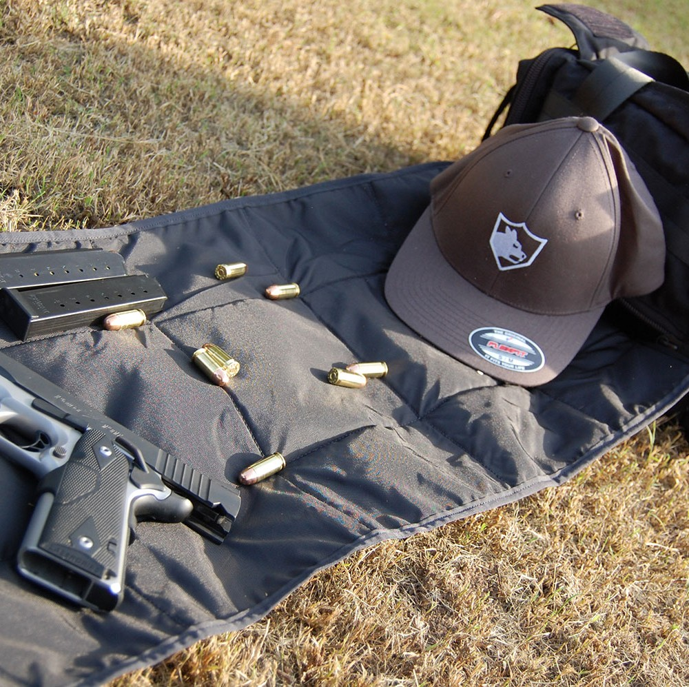 Pistol range bag built in gun mat