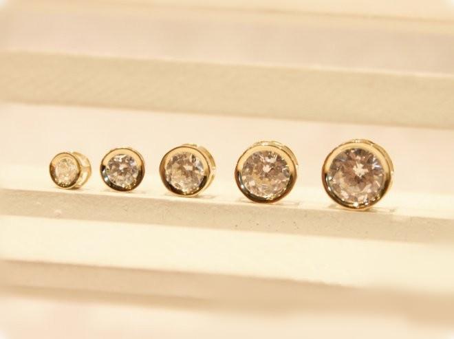 ダイヤモンドネックレス 人気