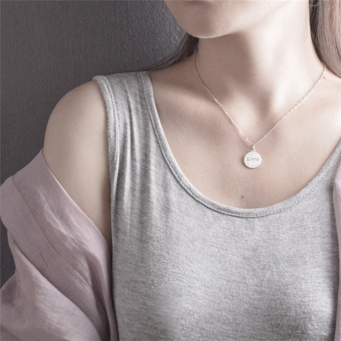 女性へ ネックレス