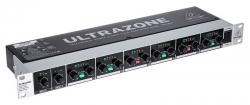 Mesa de Mistura Behringer ZMX2600 Ultrazone - 6-8 vias - de Rack