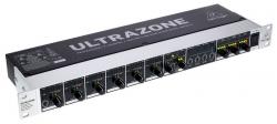 Mesa de Mistura Behringer ZMX8210 V2 Ultrazone - 8 vias - de Rack