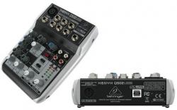 Mesa de Mistura Behringer Xenyx Q502USB - 5 vias