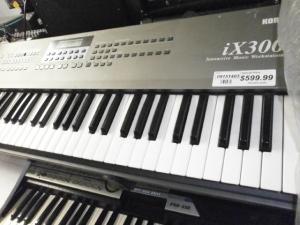 KORG iX300 INTERACTIVE MUSIC WORKSTATION (USED)