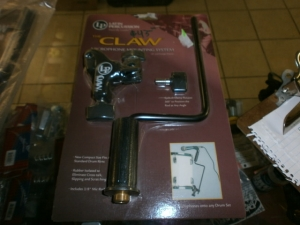 THE CLAW MICROPHONE MOUNTING SYSTEM