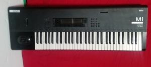KORG M1 keyboard very well kept all functions exelent USED