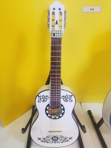 Classic Guitar 1/2 Made in Mexico