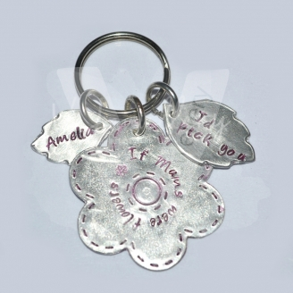 "Personalised ""If Mums were flowers I'd pick you"" Flower & Leaves Keyring *Stitched Effect*"