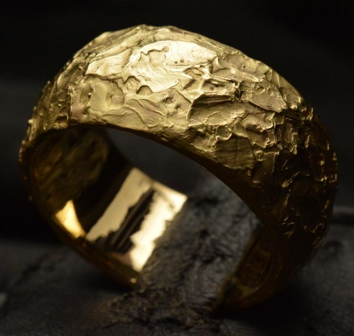 Ring of Power • 18kt Yellow Gold • Skull Ring • #19G
