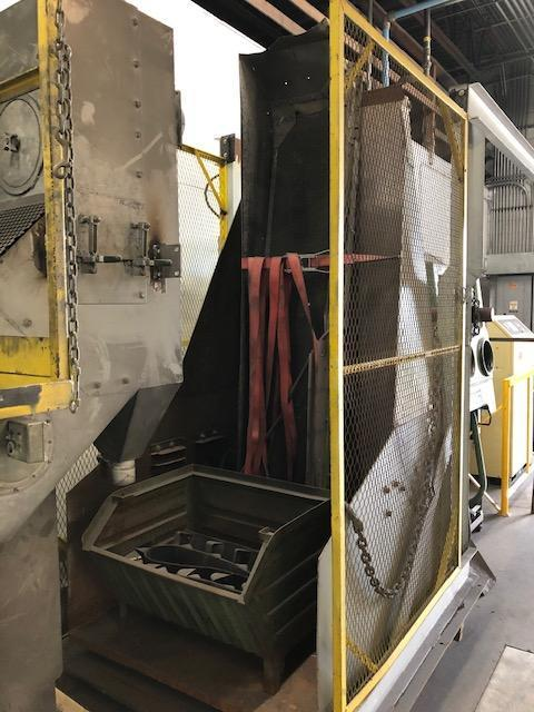 1980 WHEELABRATOR MODEL 27 X 36 RUBBER BELT TUMBLAST CLEANING MACHINE S/N A133385 WITH FLOOR LOADER AND CONTROLS