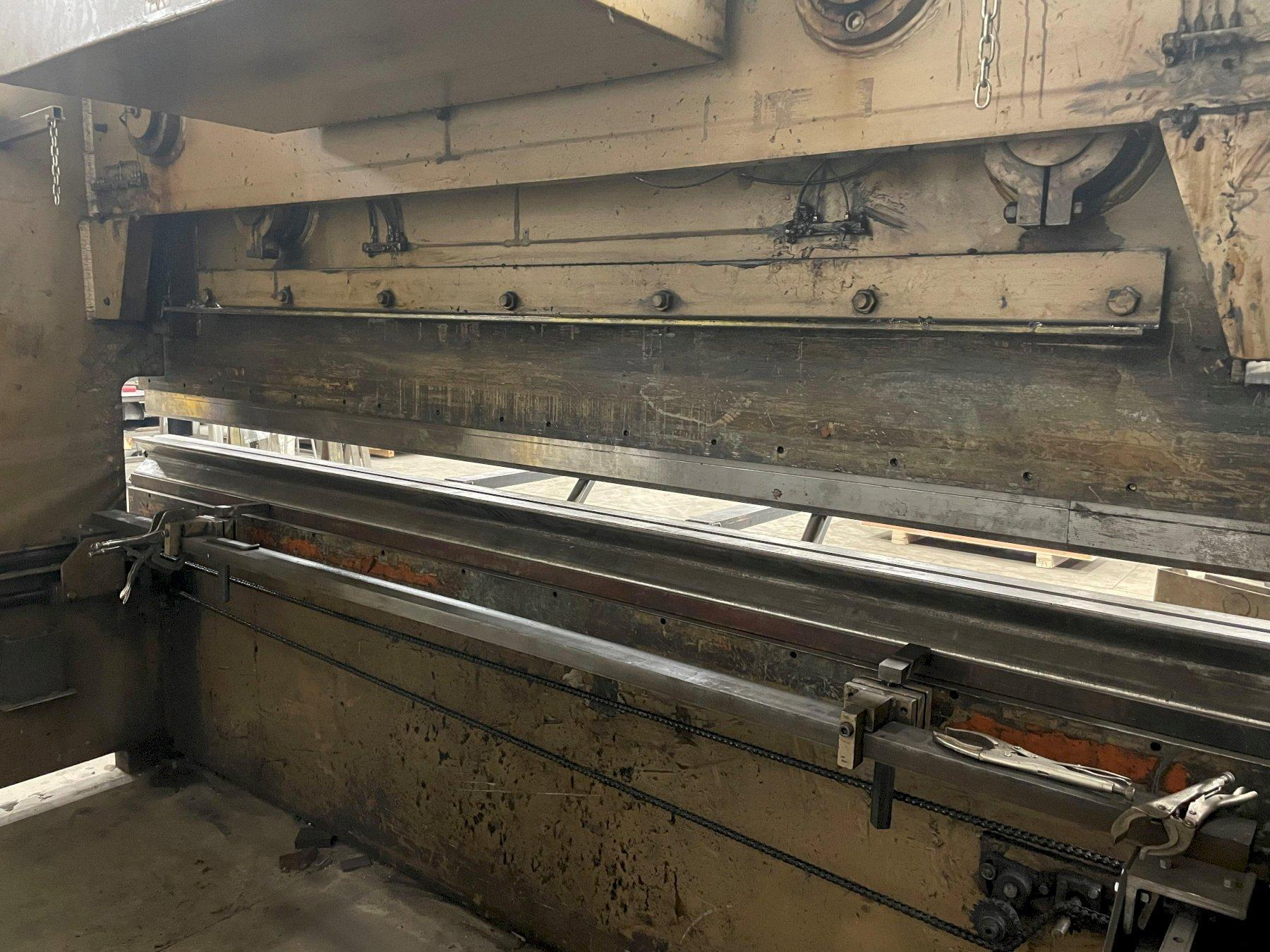 300 TON X 12' HTC 300G HYDRAULIC PRESS BRAKE. STOCK # 0417501