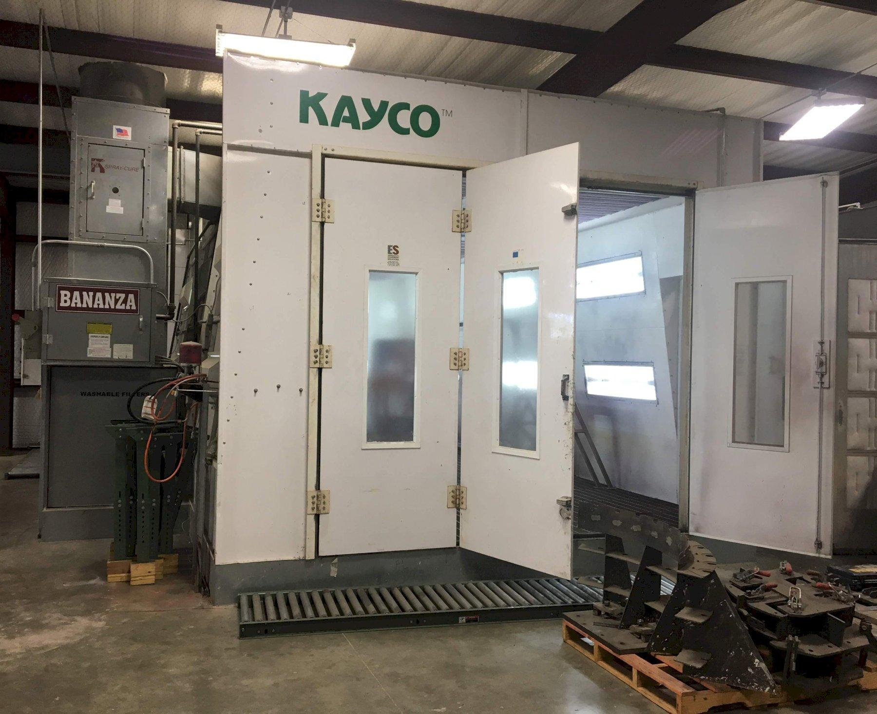 14' X 26' KAYCO DELUXE DOWN DRAFT PAINT BOOTH: STOCK #71255