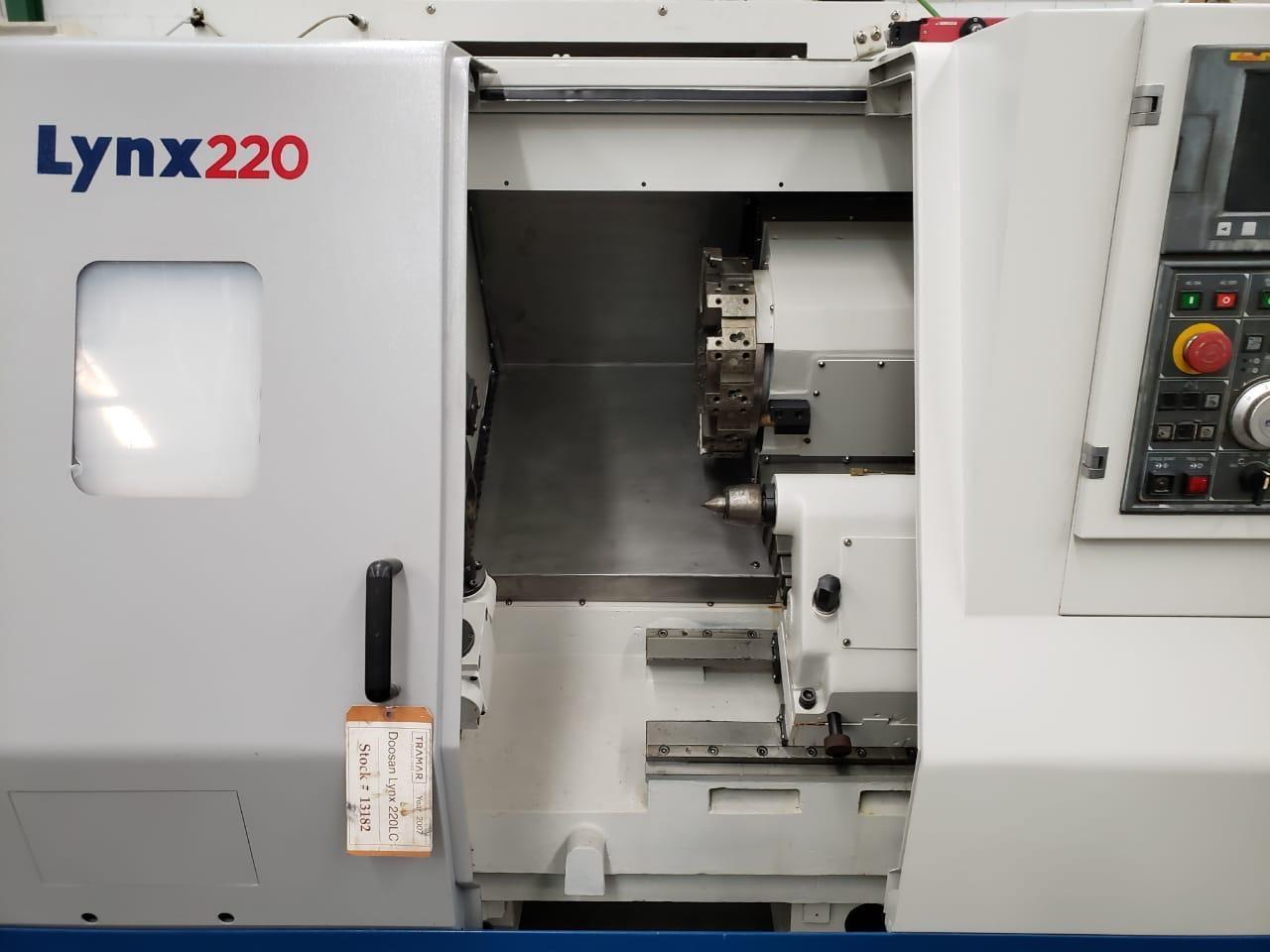 2007 DOOSAN Lynx 220LC - CNC Horizontal Lathe