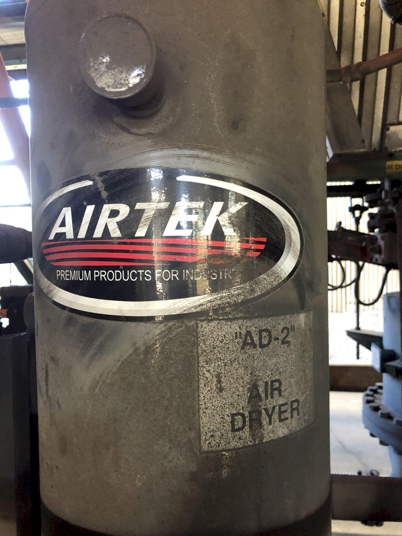 Airtek heatless desiccant air dryer model tw 250 s/n tyo3284-08d rated at 150 scfm and air receiver 3' x 8' tall