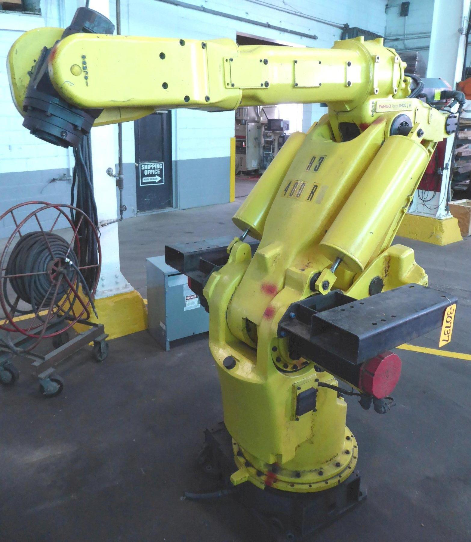 Fanuc Robot Model S-420 i W, System R-J2 Controller