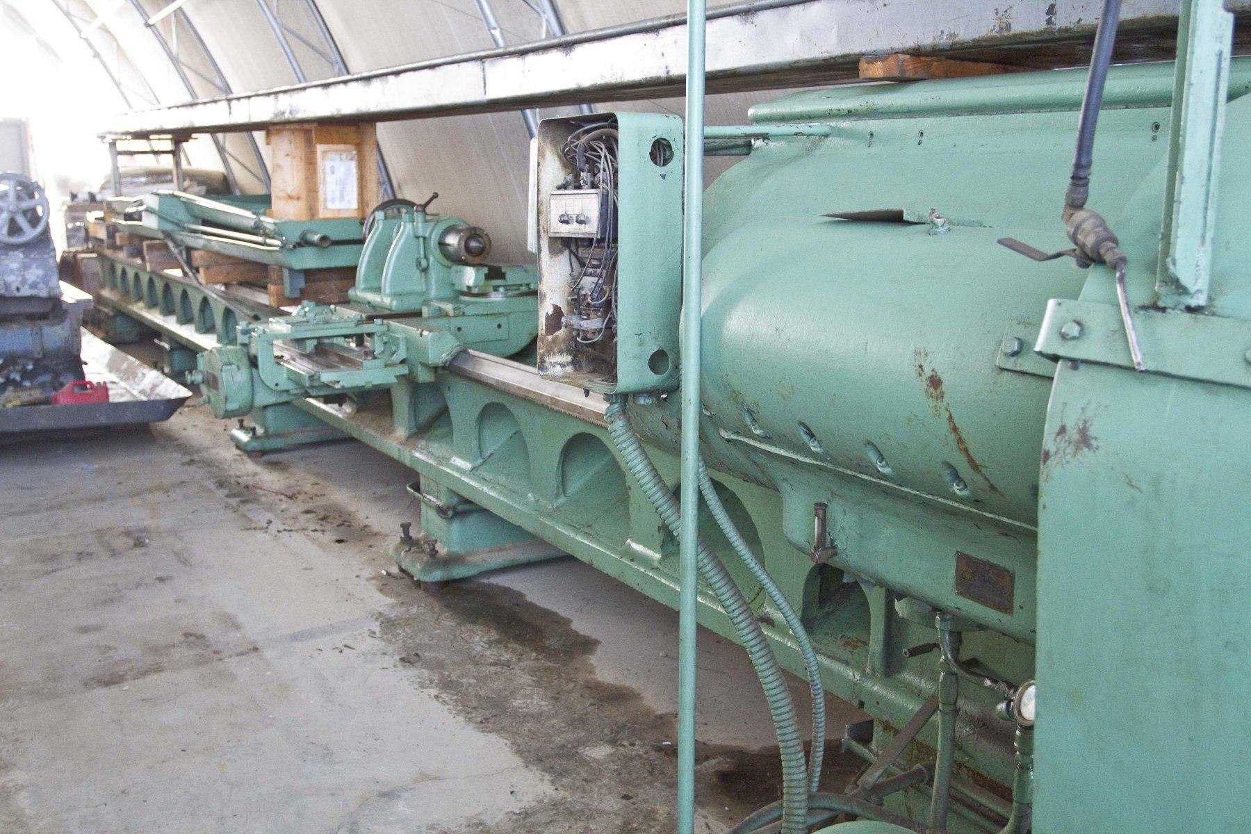 "LEHMANNLehman Model 2516 Manual Lathe 30"" swing, 16"" over cross slide, 30' between centers, 9.57"" spindle bore"