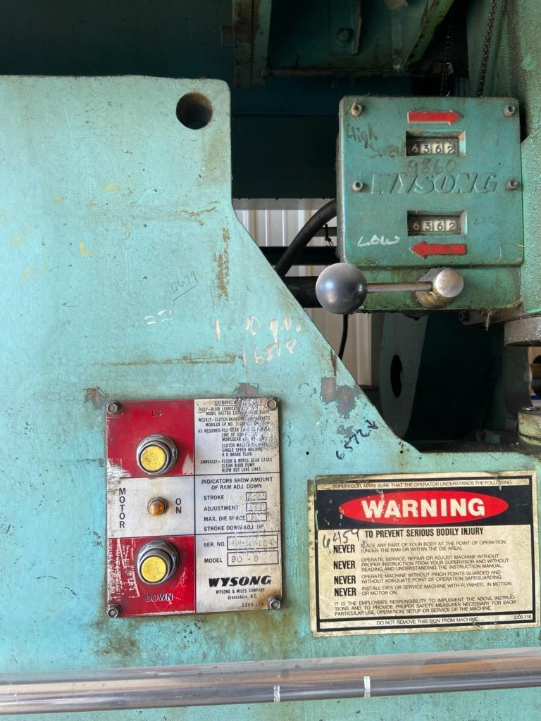 1 - PREOWNED WYSONG 90 TON X 8 ft HYDRAULIC PRESS BRAKE, MODEL #: H90-6, S/N: HPB16-104, YEAR: 1984