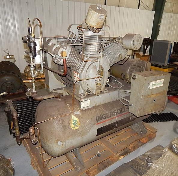 25 HP Ingersoll Rand 2 Stage Piston Type Air Compressor