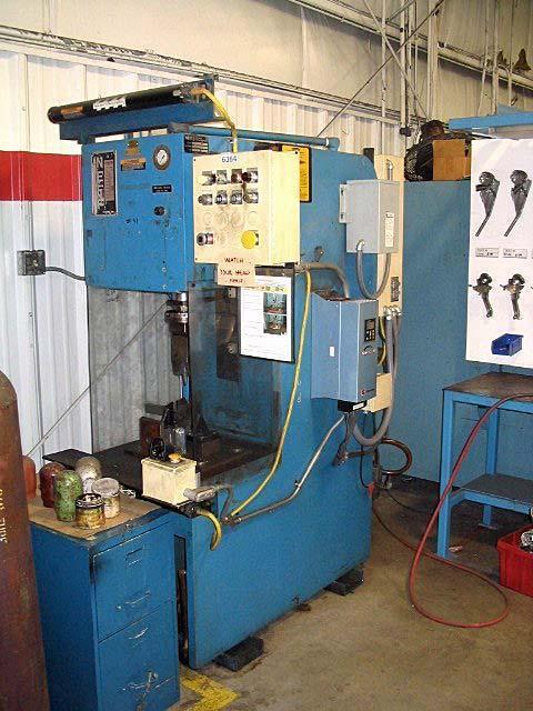 25 Ton Neff Hydraulic Press