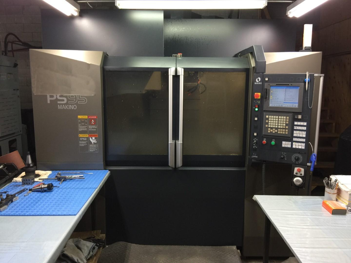 Makino PS95 CNC Vertical Machining Center