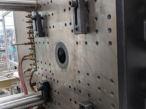 Arburg Used 630S2500-1300 Injection Molding Machine, 275 US ton, Yr. 2003, 21.4 oz.