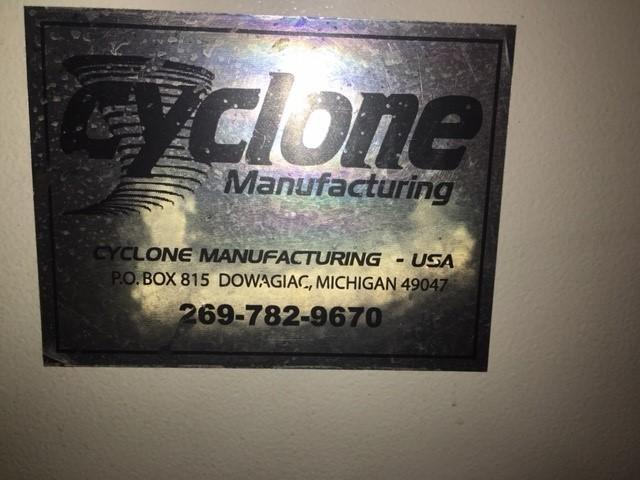 CYCLONE BLASTING CABINET STOCK #2774