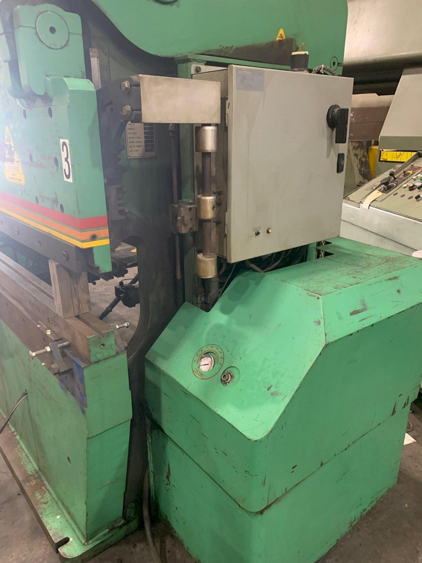 USED ACCURPRESS 175 TON X 10' HYDRAULIC CNC PRESS BRAKE, MODEL 717510, Stock# 10875, Year: 1994