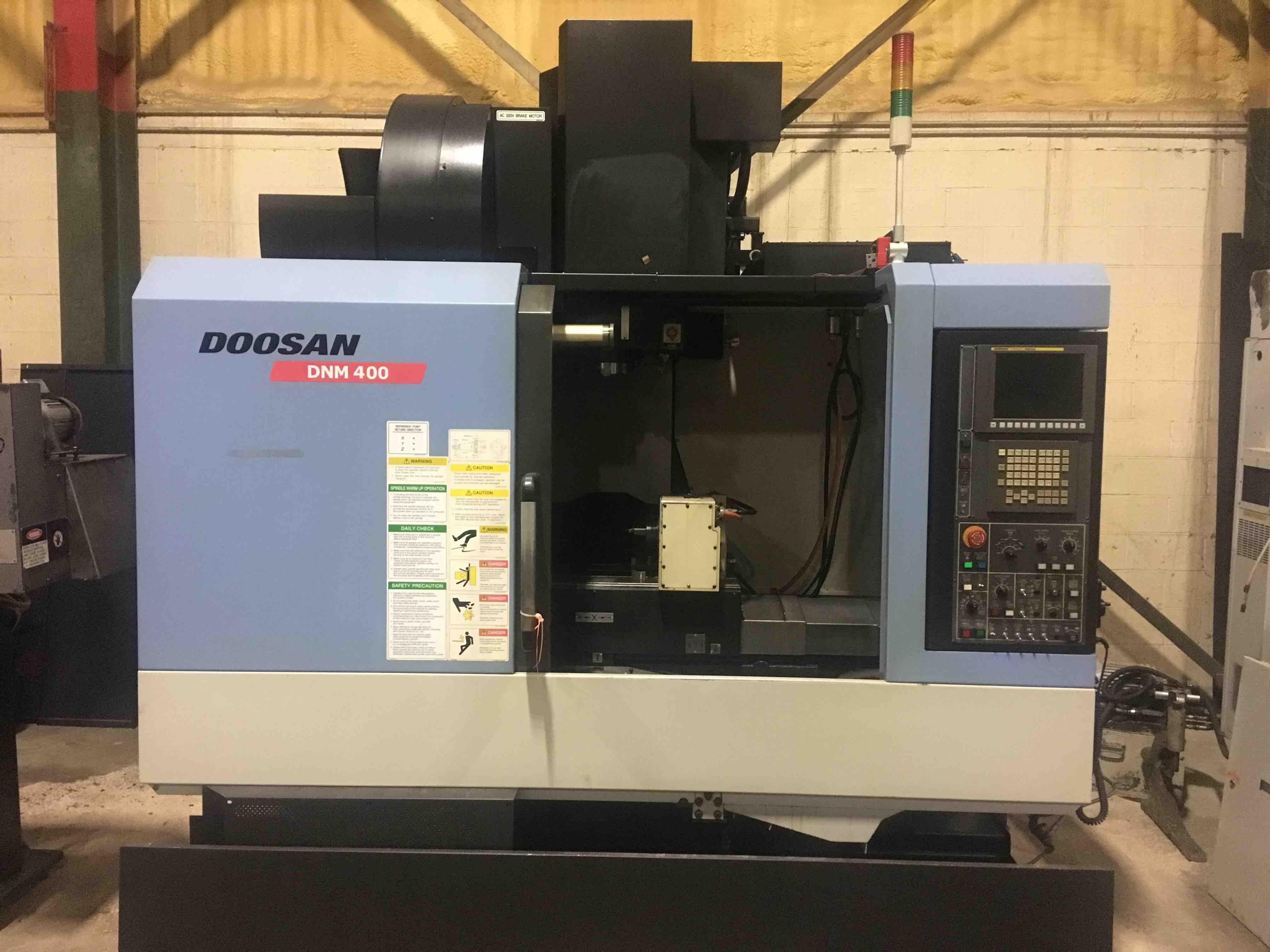 Doosan DNM-400 CNC Vertical Machining Center, Fanuc Series i, 30