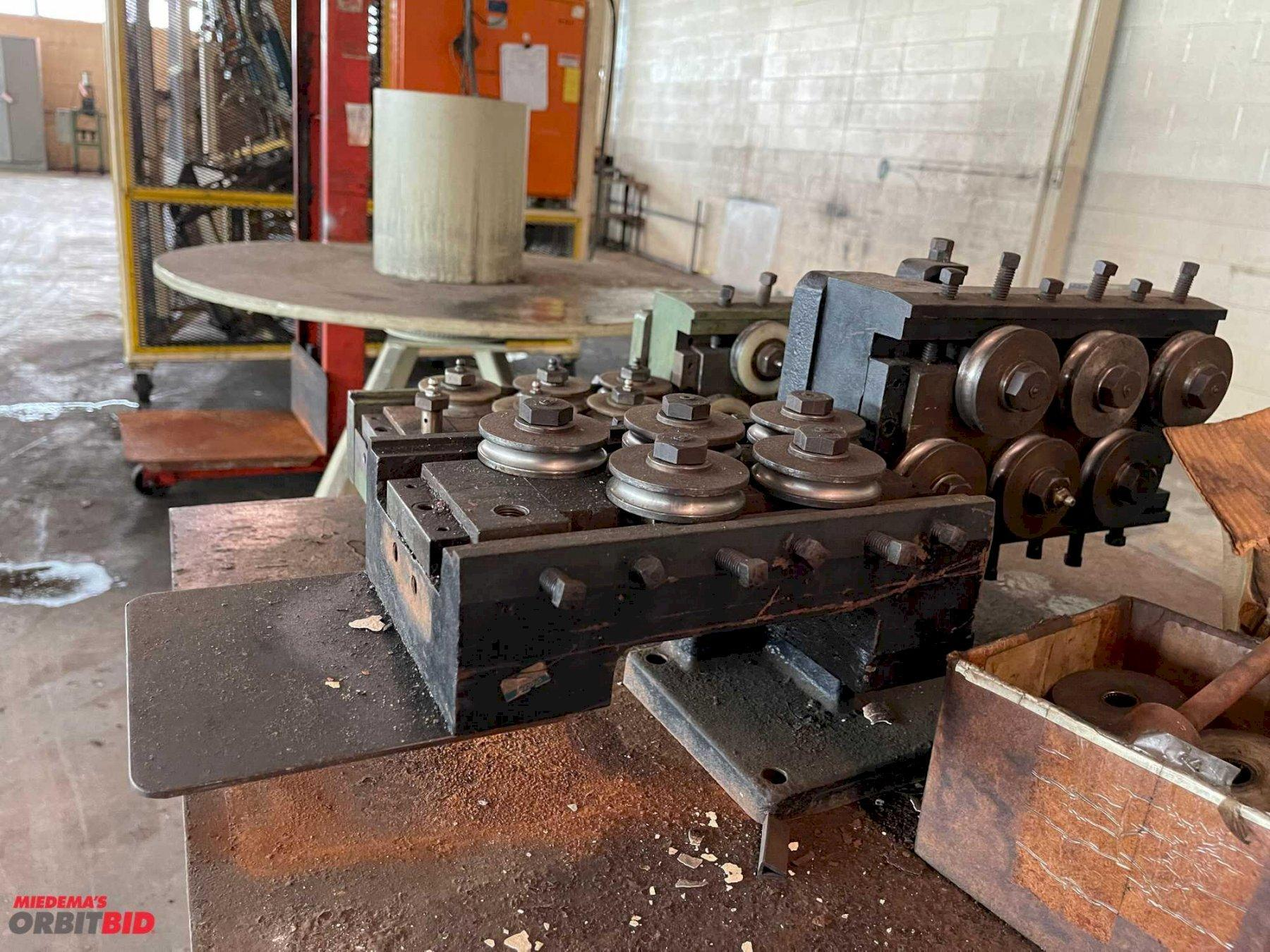 PIPE ROLLERS WITH PIPE DIES & METAL TABLE: STOCK #15425