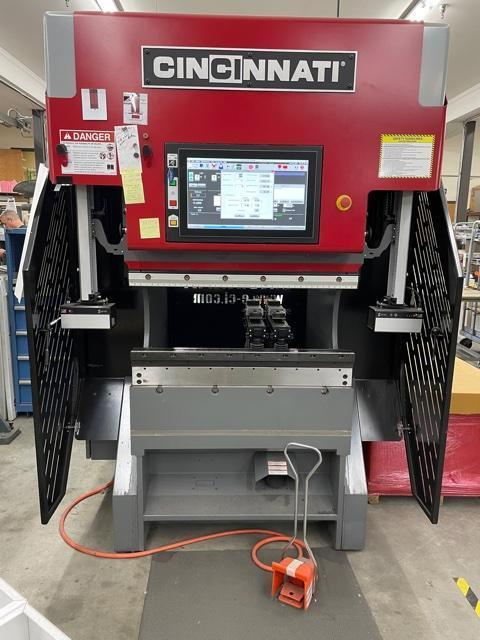 2016 Cincinnati 40GX, 4' x 40 Ton CNC Electric Servo Press Brake