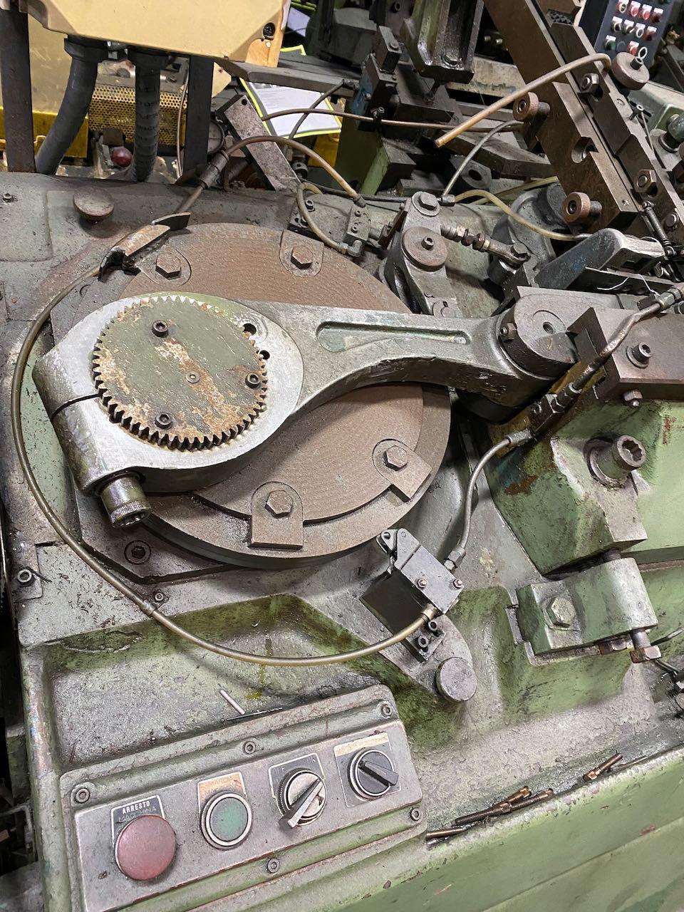 Sacma Model RU-1 Thread Roller