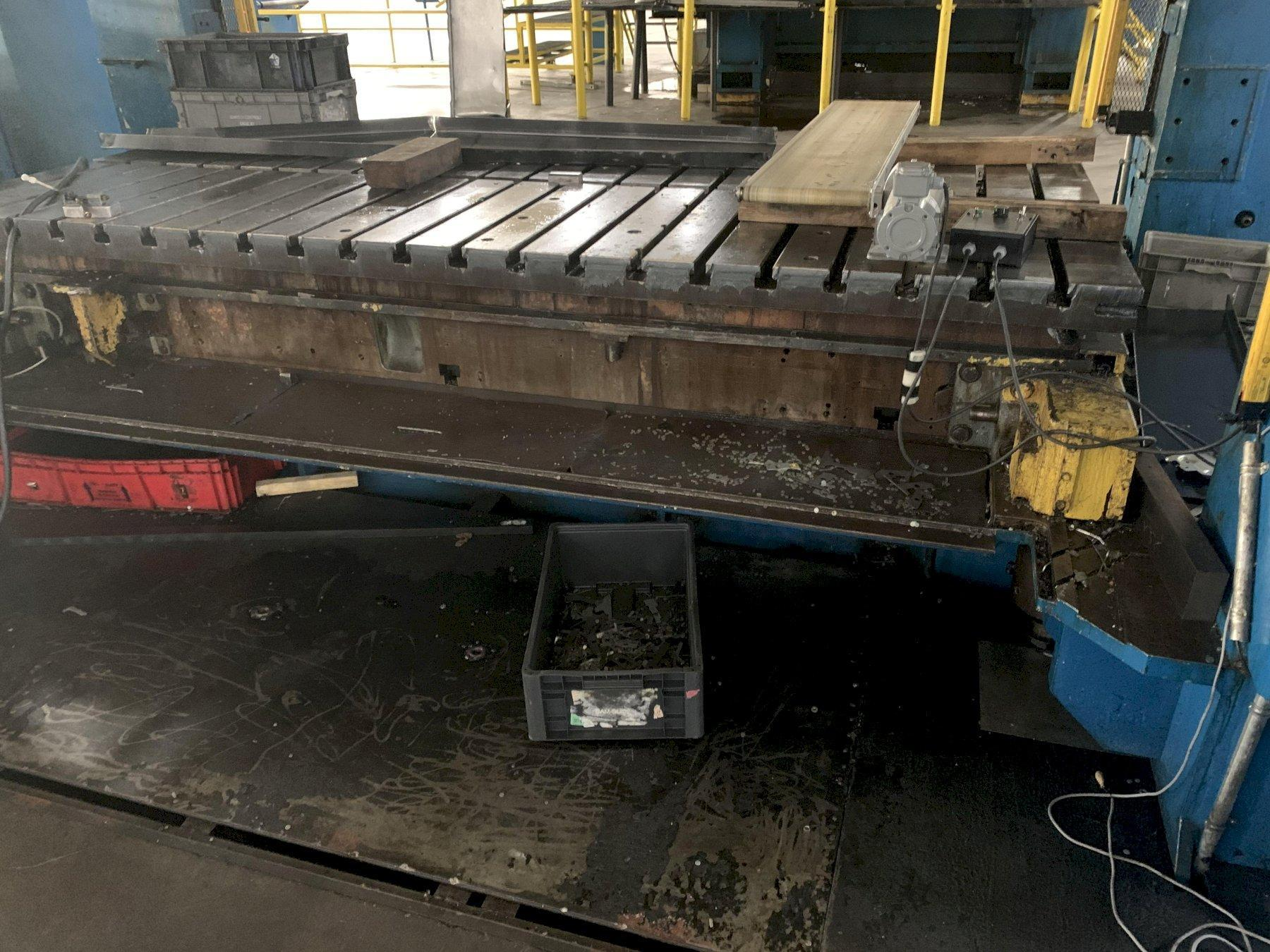500 ton Aida NST-500 Straight Side Mechanical Press