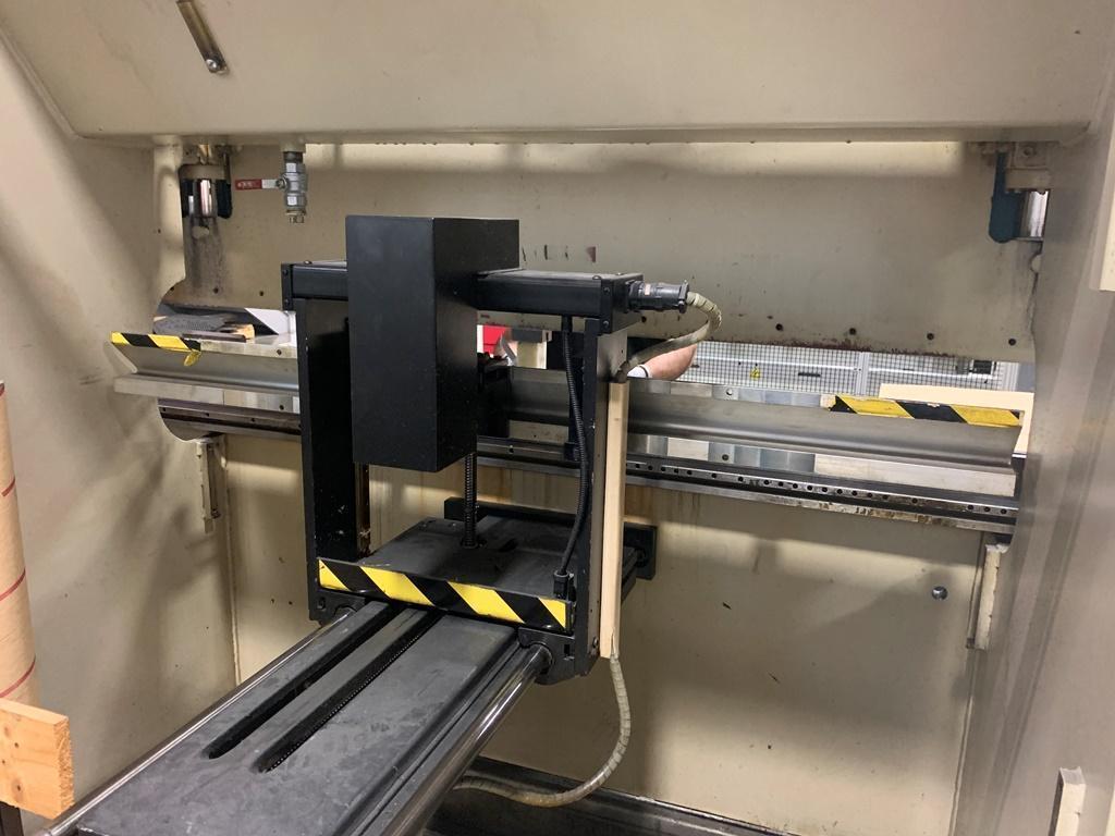 45 TON LVD MODEL 45JS06 CNC HYDRAULIC PRESS BRAKE