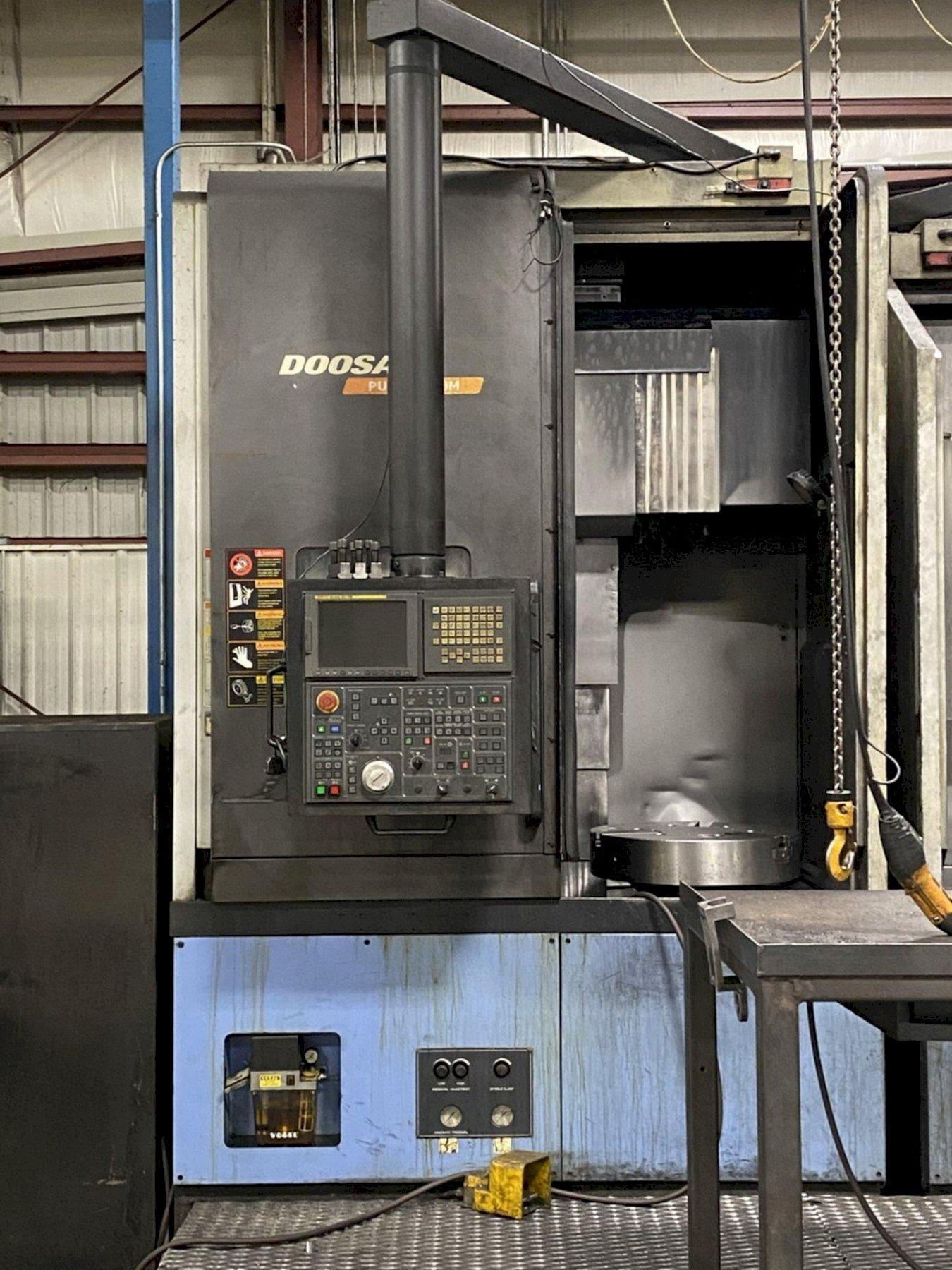 "Doosan Puma V550M CNC Vertical Lathe (2008), Fanuc i, 24"" Chuck, 31.5"" Swing, 50 HP, Milling, 12 Position Turret, 2000 RPM, 15.3""/30.7"" Travels"